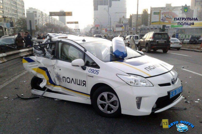 politsiya-prius-avariya-10jpg_small.jpg