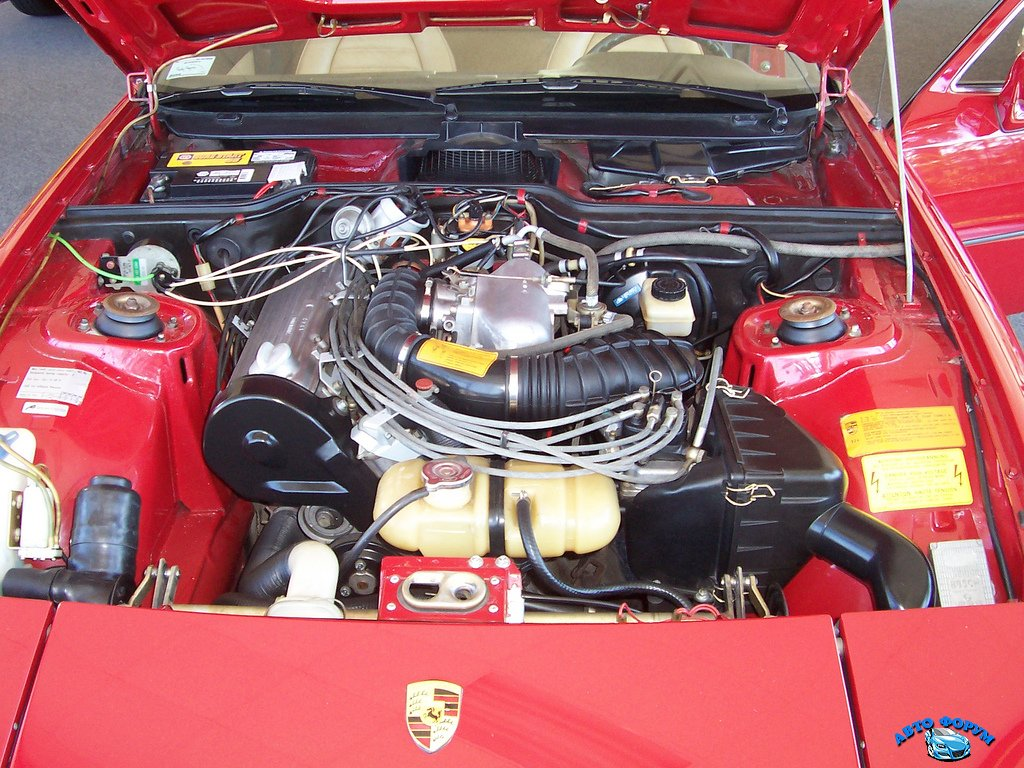 Porsche-924-engine.jpg