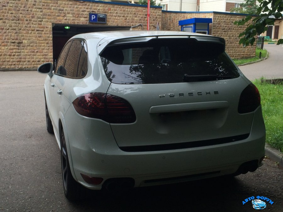 Porsche-cayenne-gts8.JPG