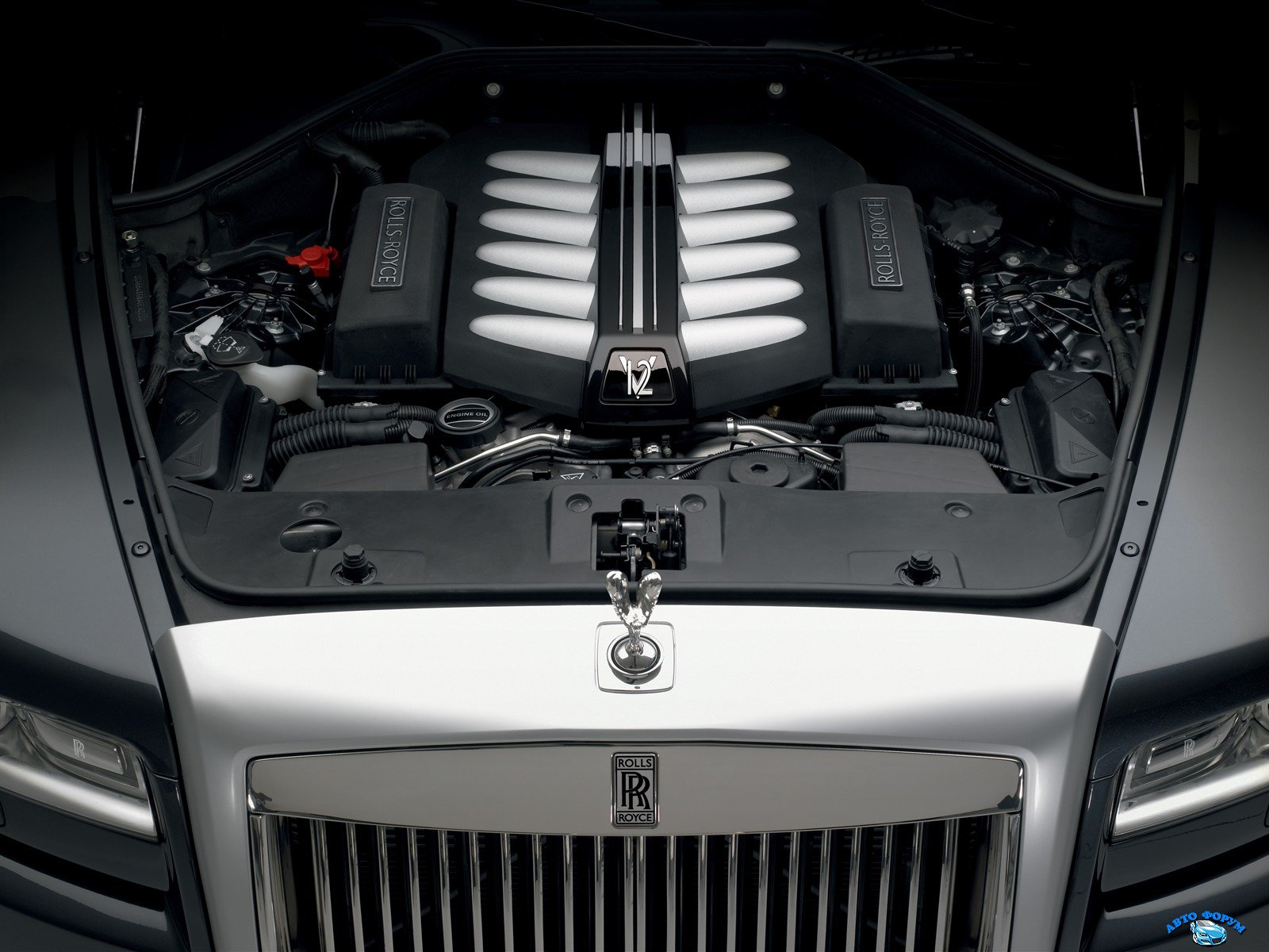 rolls-royce_ghost_engine_23.jpg