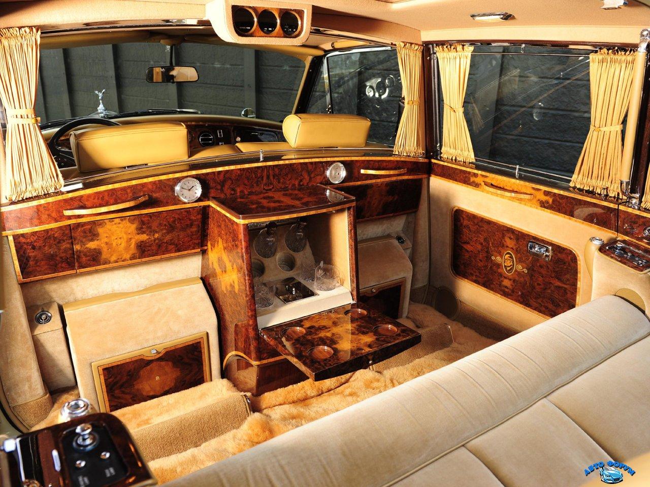 Rolls-Royce_Phantom V_Limousine_1959.jpg