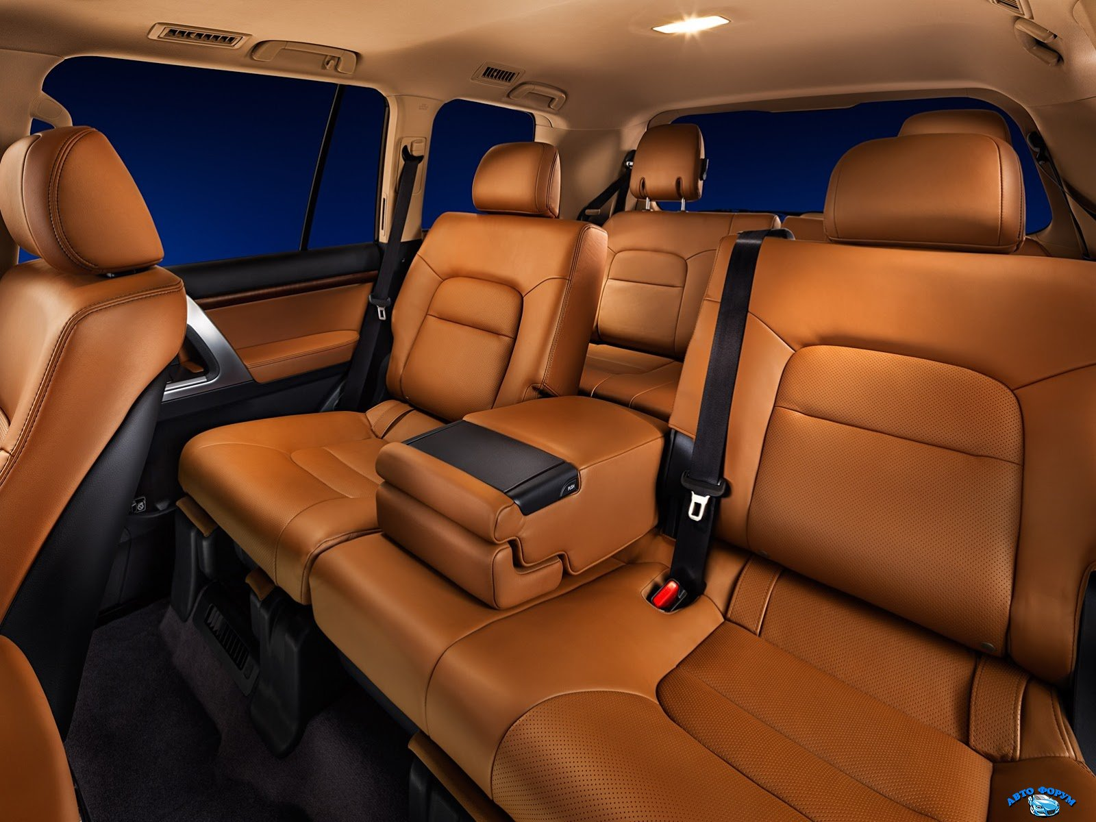 russia-gets-exclusive-toyota-land-cruiser-200-brownstone-edition_4.jpg