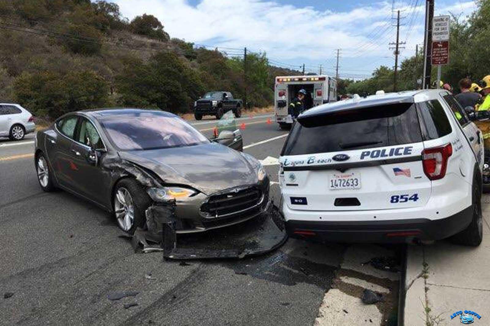 Tesla-Police.jpg