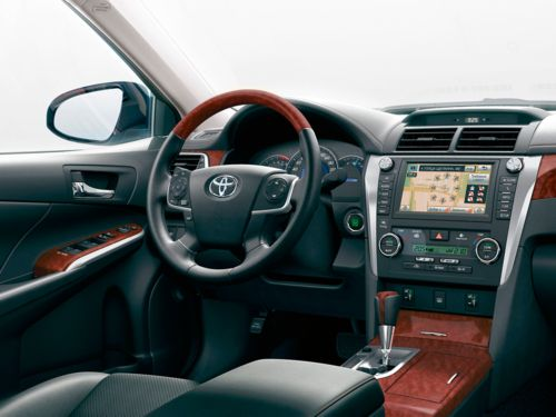 Toyota Camry 2013-1.jpg