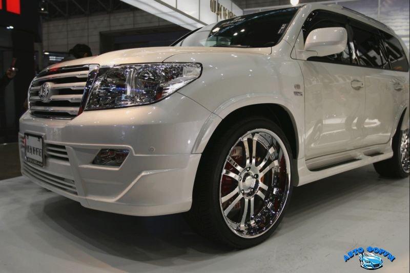 Toyota Land Cruiser 200-4.jpeg