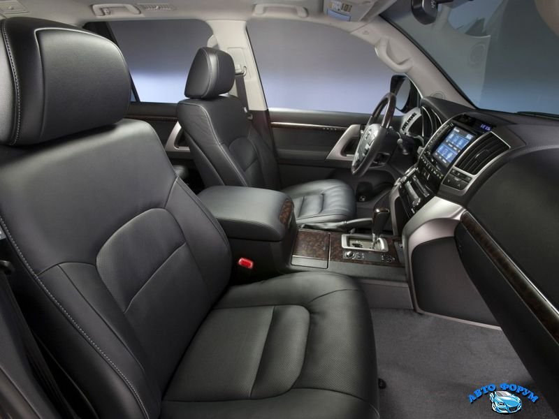 Toyota Land Cruiser 200-5.jpg