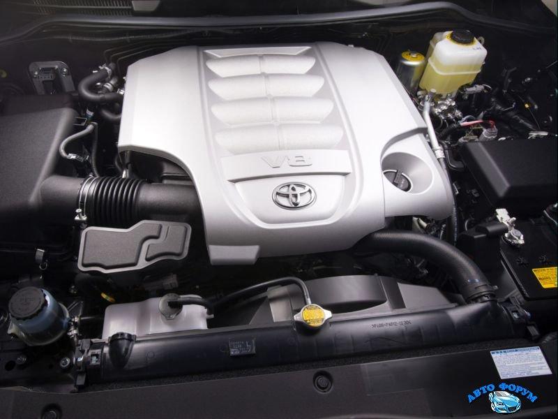 Toyota Land Cruiser 200-6.jpg