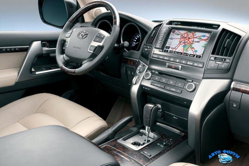 Toyota Land Cruiser 200-7.jpg