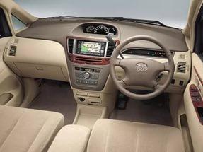 Toyota Nadia.jpg