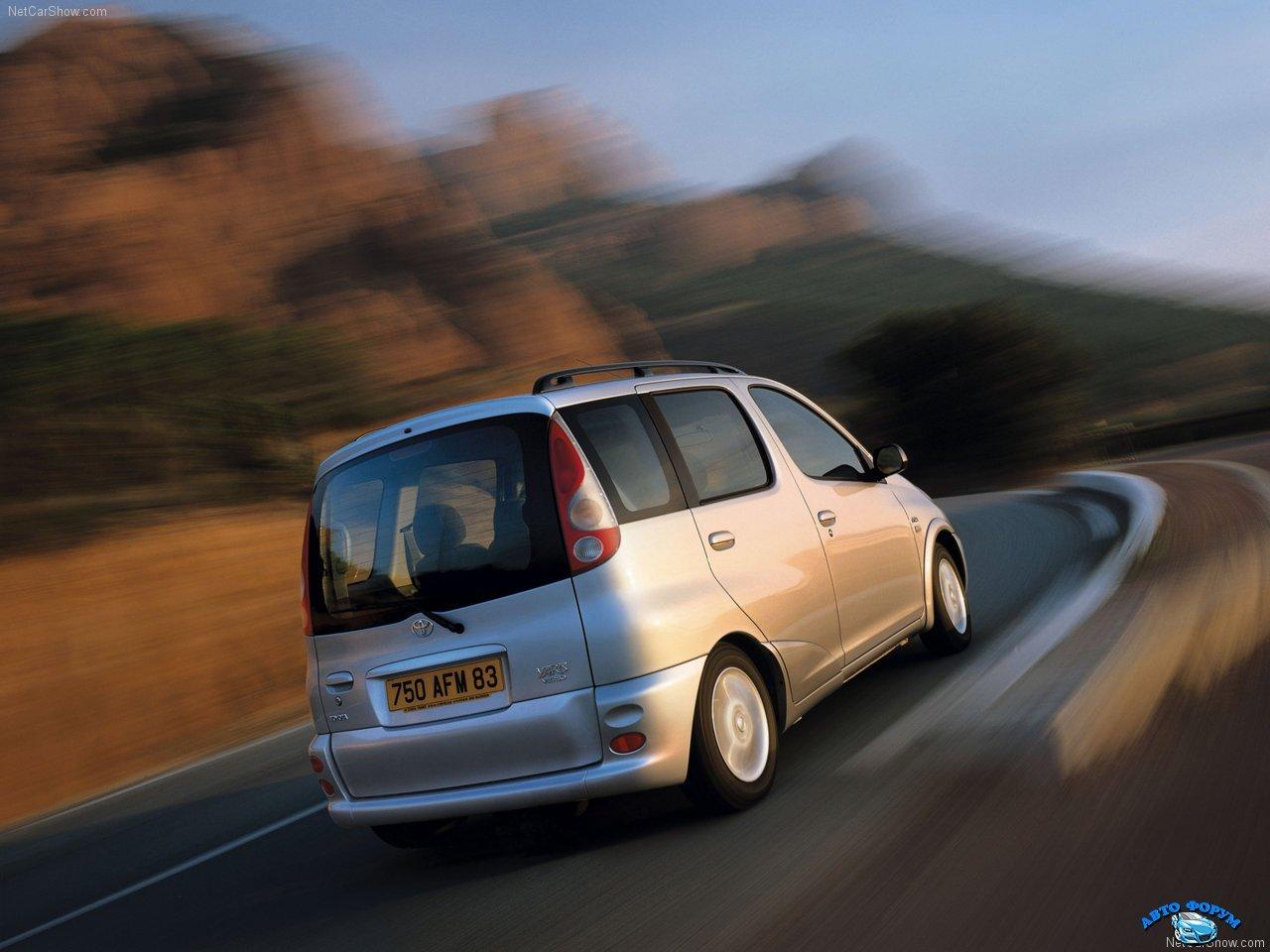 Toyota-Yaris_Verso-2000-1280-11.jpg