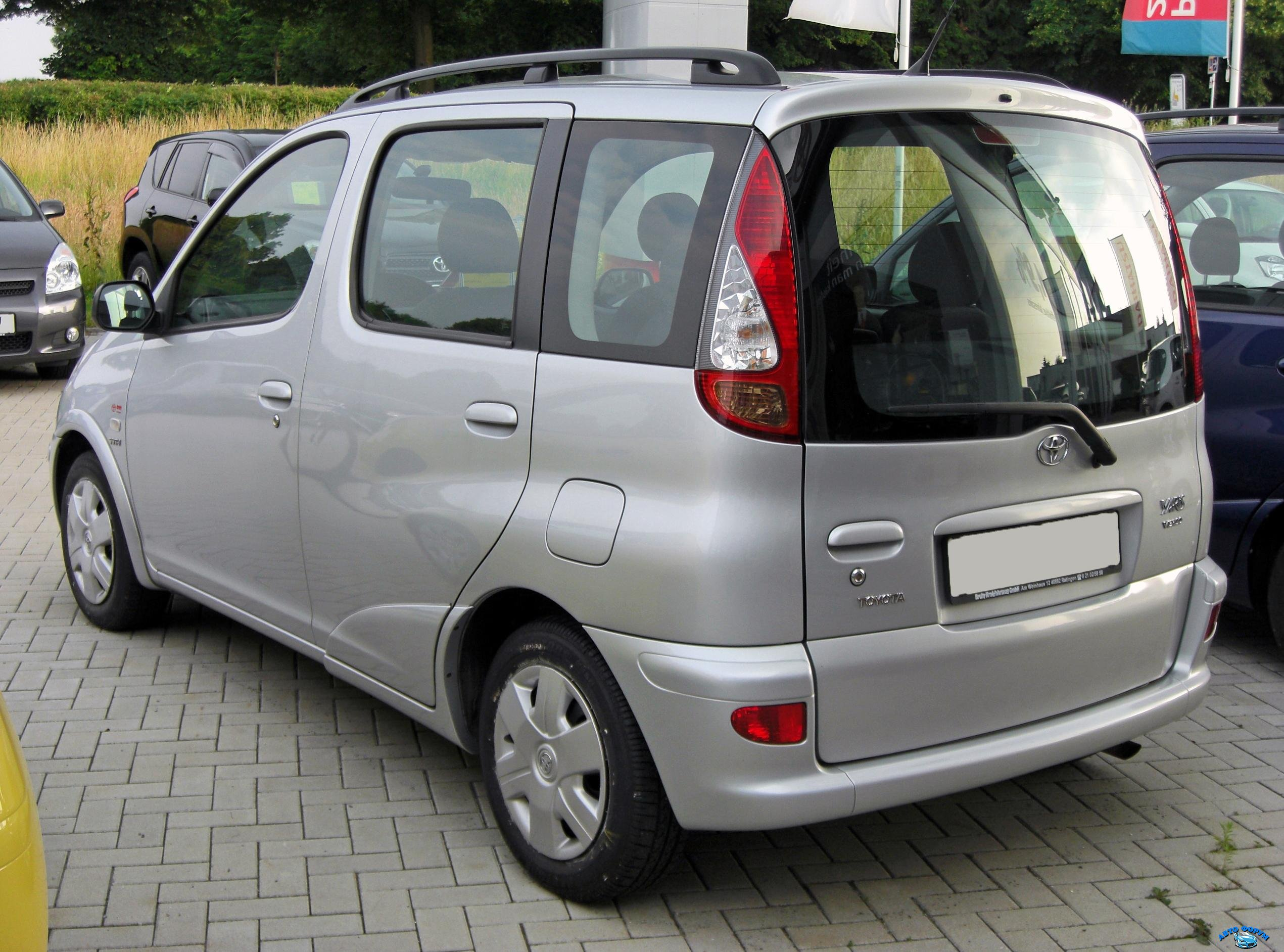 Toyota_Yaris_Verso_Facelift_20090621_rear1.JPG