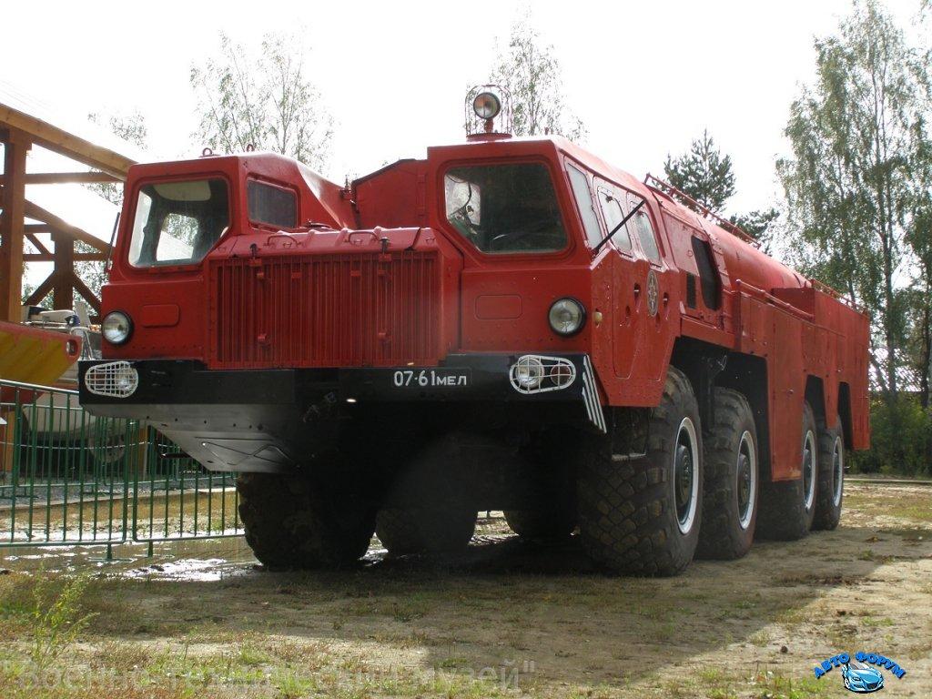 Voennyy-tyagach-MAZ-5436.JPG