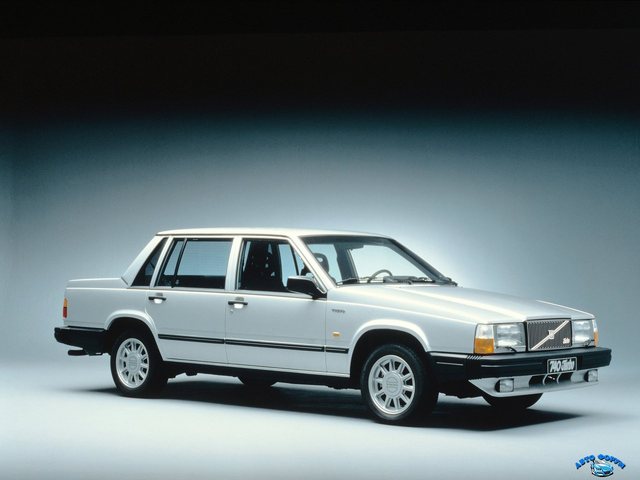Volvo_740_740 Turbo_Sedan.jpg