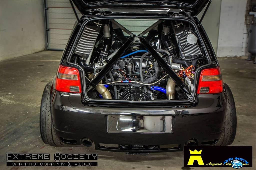 VW-Golf-Mk4-R32-with.jpg